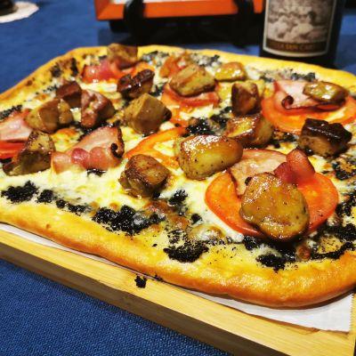 手工松露鵝肝披薩